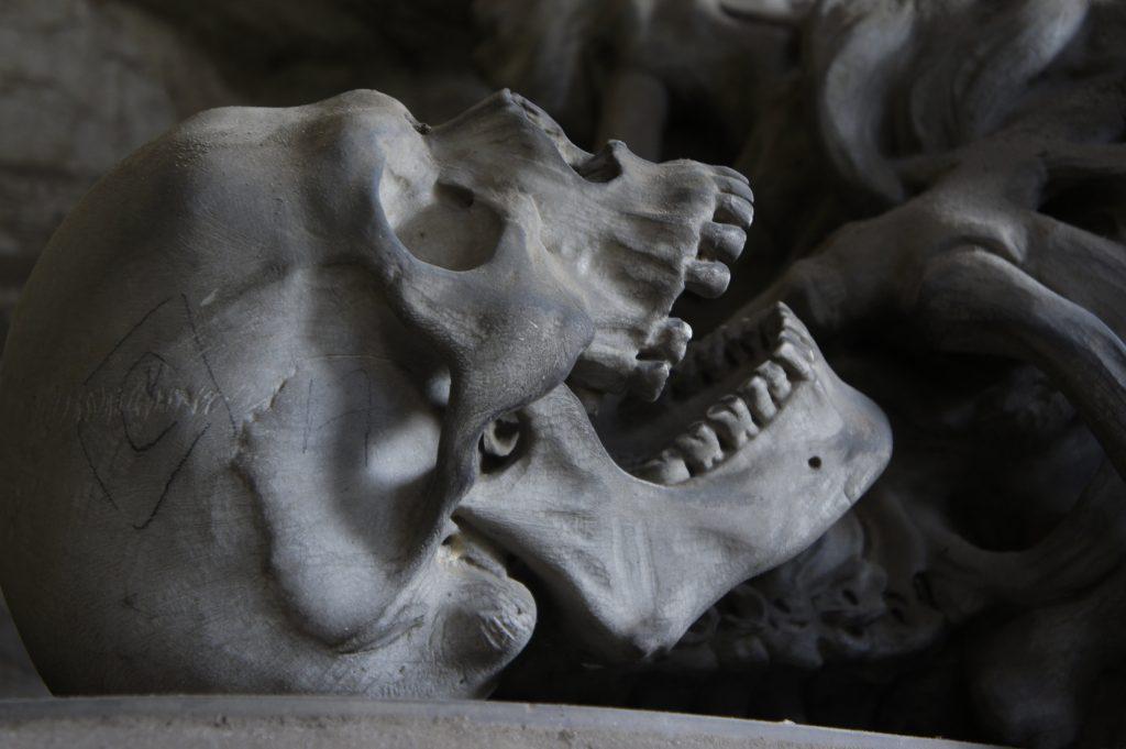 restos humanos reliquias